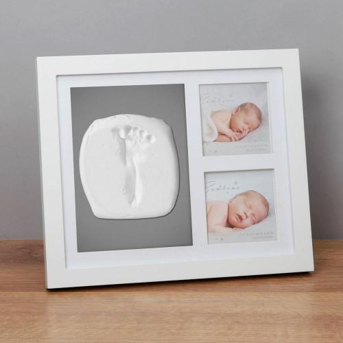 Rėmelis baltas rankytės,kojytės antspaudai ir 2 nuotraukos