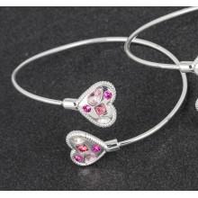 Apyrankė pasidabruota širdelė su rožiniais akmenukais